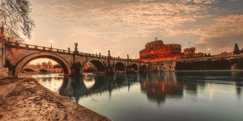 Flod rinner genom Rom Rome